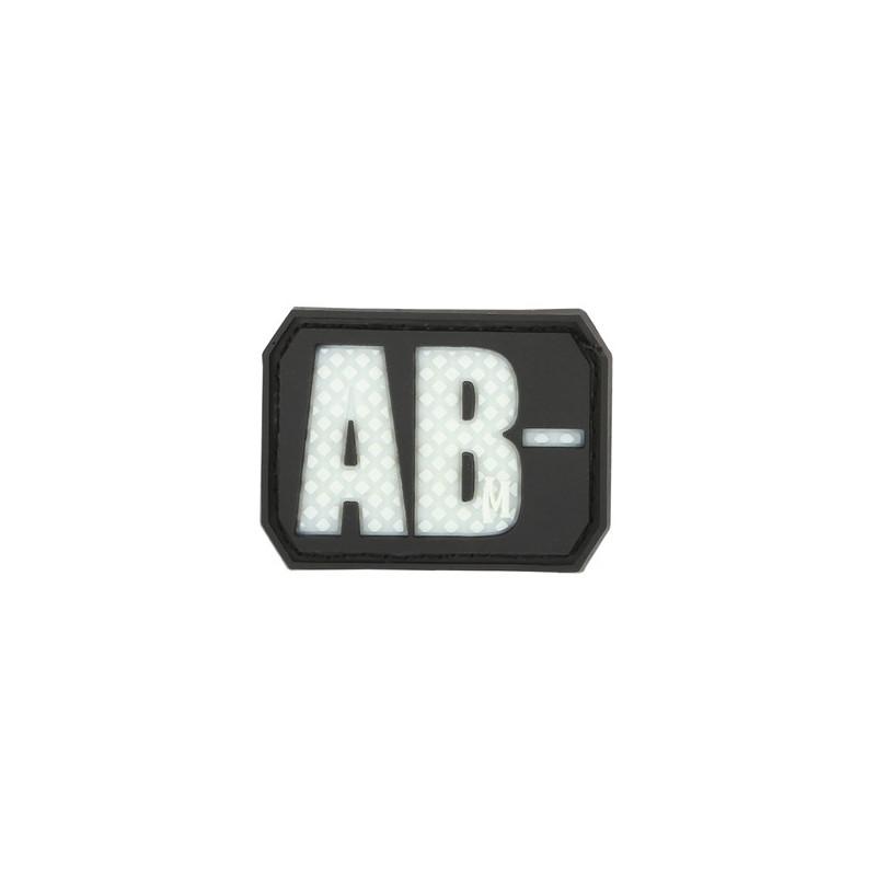 Maxpedition - Bloed type - AB- (glow)